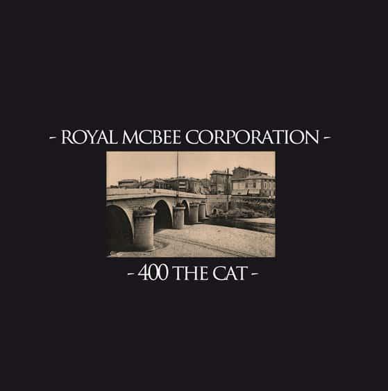 400 the Cat / Royal Mc Bee Corporation - Split